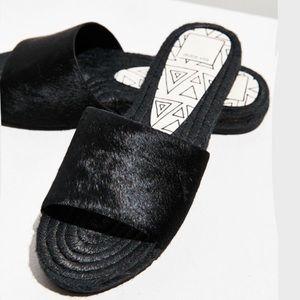 New Dolce Vita Vonn Black Calf Hair Slides